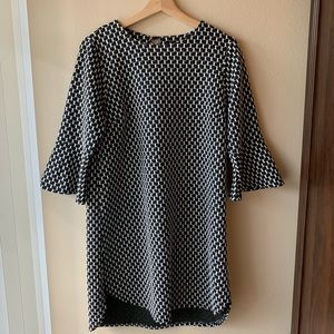 Bobeau Black and White Patterned Bell Sleeve Dress